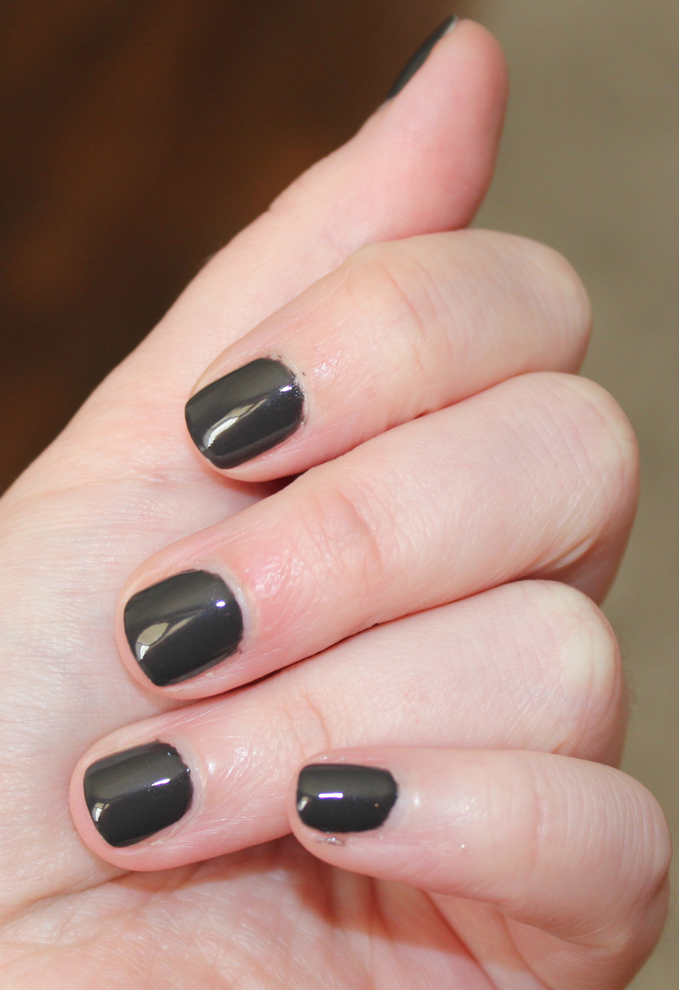 Vernis noir ongles courts - Vernis a ongle noir ...