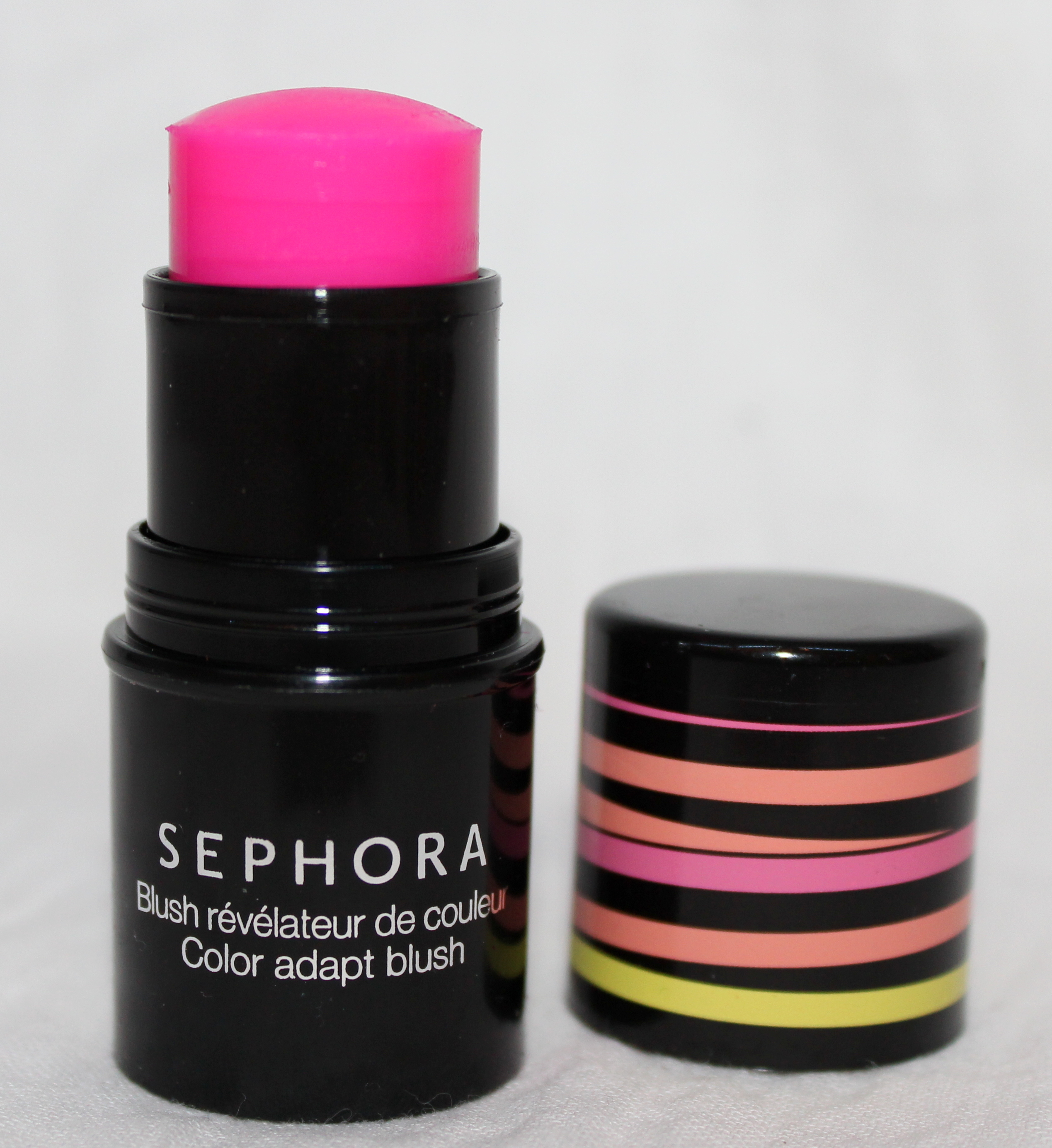 vernis fluorescent dans le noir sephora. Black Bedroom Furniture Sets. Home Design Ideas